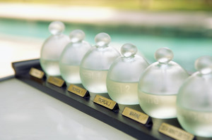 Aromatherapie, ätherische Öle, ganzheitlich, ganzheitliche Medizin, komplementär, natürlich, integrative Medizin, natürlich, Lavendel, Zitrone, Bergamotte, Sandelholz, Duft, Entspannung
