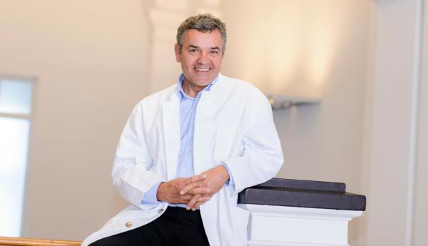 Prof. Volker Steinkraus, Dermatologikum, Hamburg, Haut, Dermatologie, Hautkrebs, Vorsorge, Aktinische Keratose, Interview, Reichelt