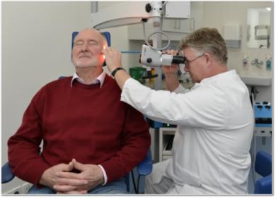 Prof. Dr. Arneborg Ernst, Interview, HNO, hören, Schwerhörigkeit, ukb, Untersuchung, Cochlea-Implantate, Kinder, Hörtest, taub, Hörnerv, Sinneszellen