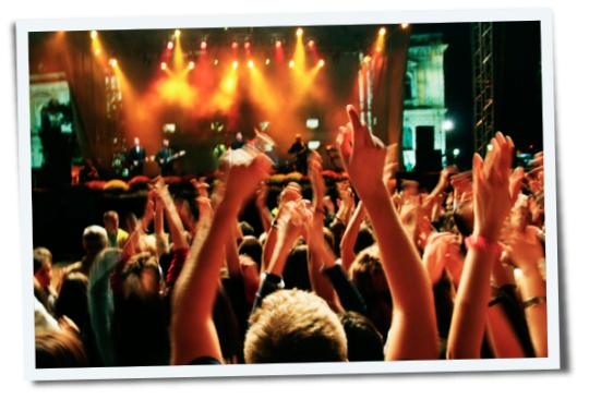 Hüren, taub, Tennitus, Hörsturz, Dezibel, Konzert, Musik, laut, Krach, Knalltrauma